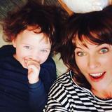 画像2: 『バイオハザード』ミラ・ジョヴォヴィッチの2歳の娘が美人すぎる!