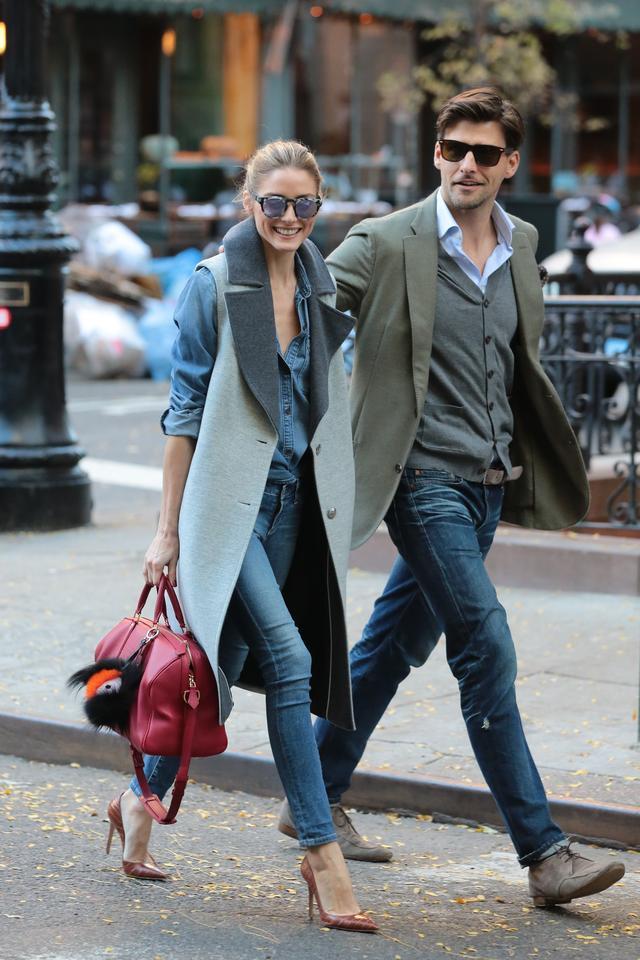 画像: おしどり夫婦として有名なオリヴィアとモデル兼フォトグラファーのヨハネス・ヒューブルは、オシャレ夫婦としてスナップされることも。