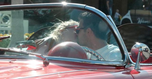 画像4: ジョーの愛車でデート