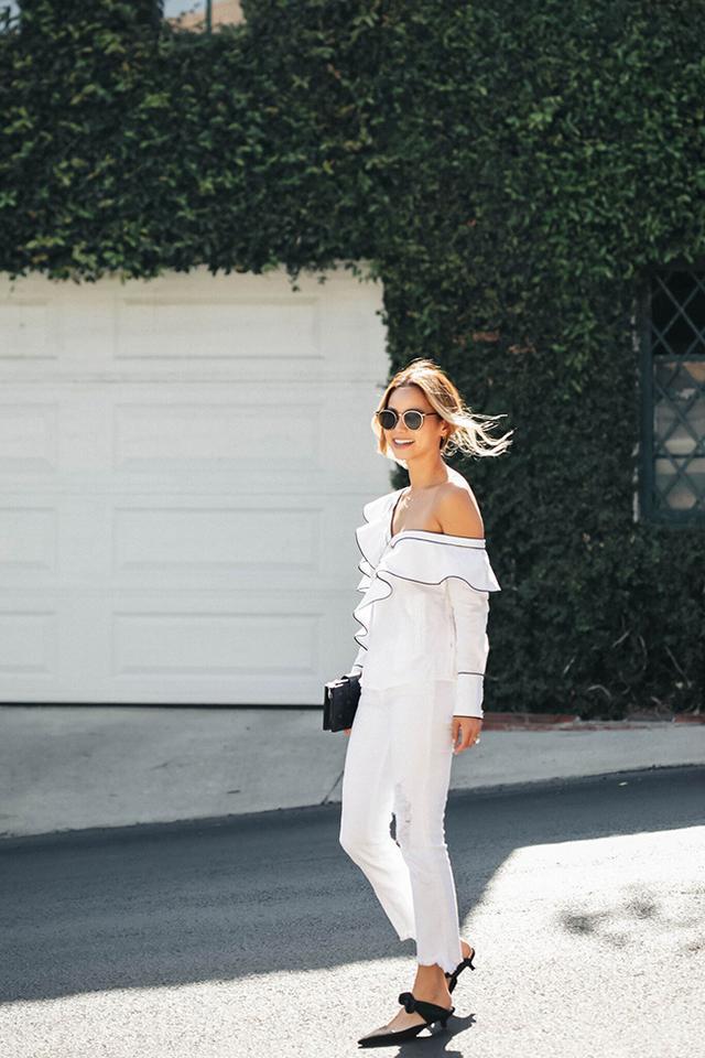 画像1: ジェイミー・チャンが魅せるドラマチックなオールホワイトスタイル