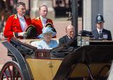 画像2: 相次ぐ悲報を受けて女王が声明