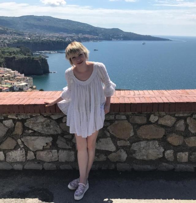 画像2: カーリー・レイ・ジェプセン、イタリア旅行でのサマーファッション