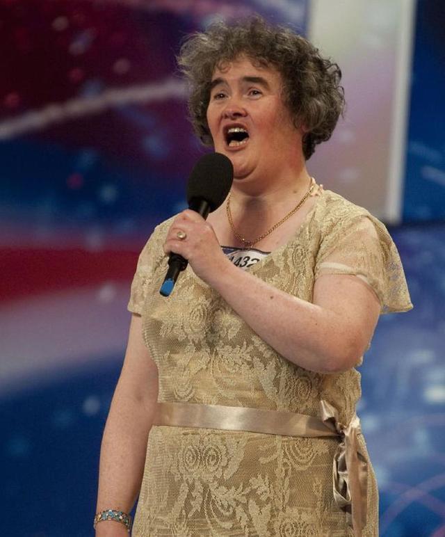 画像: 番組出演時のスーザン。映画『レ・ミゼラブル』の名曲「夢やぶれて」を歌い、お茶の間のハートを掴んだ。