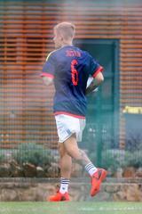 画像1: 半裸のジャスティン・ビーバーがぼっちでサッカーをする姿を激写!