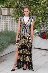 画像1: 『美女と野獣』のエマ・ワトソン、地球に優しい社会派ファッションが美しい!