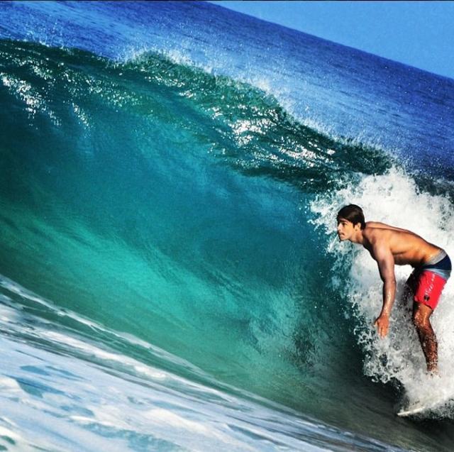 画像: サーフィン