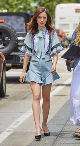 画像1: リリー・コリンズが着こなす、可憐なロンパーススタイルが可愛い!