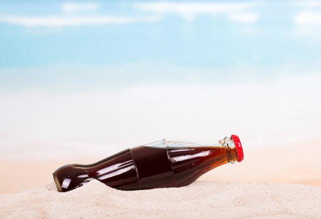 画像: 海外でサンオイルの代わりにコカ・コーラを肌に塗る人が続出