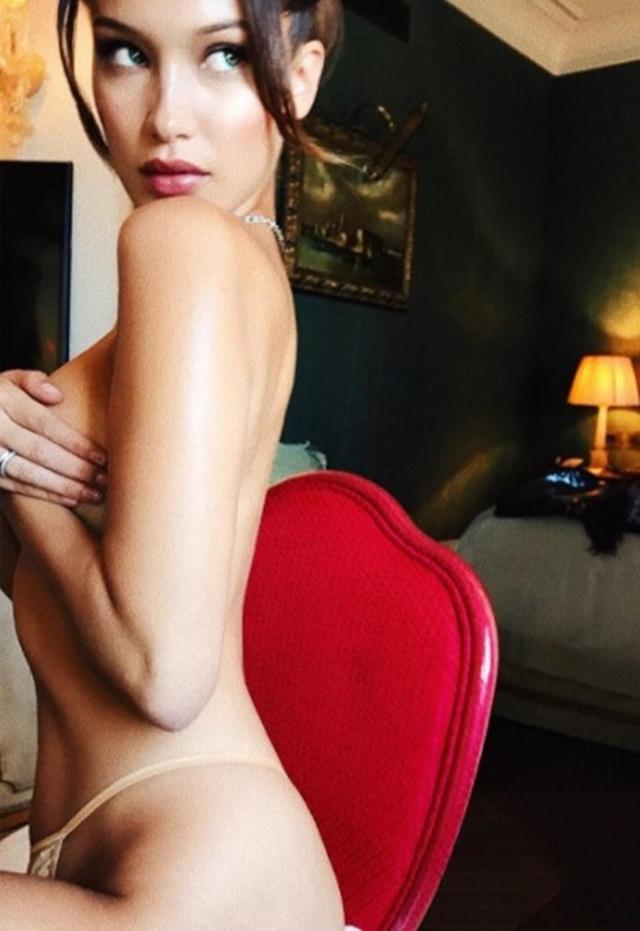 画像1: 驚異の美ボディ!ベラ・ハディッドの手ブラ写真が美しすぎる