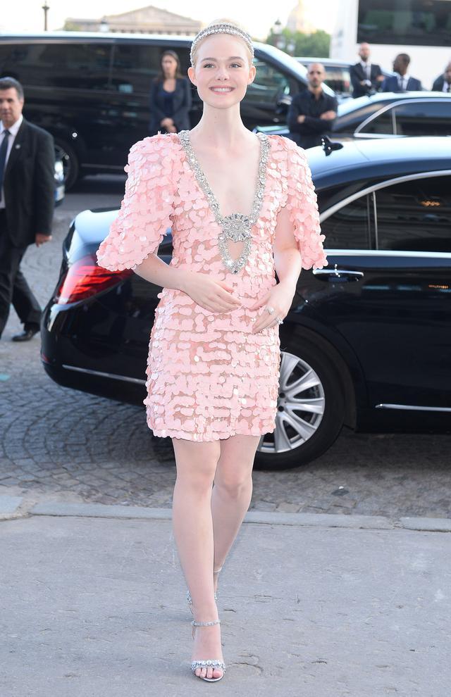 画像1: エル・ファニング、乙女心をくすぐるピンクドレス姿が可愛い