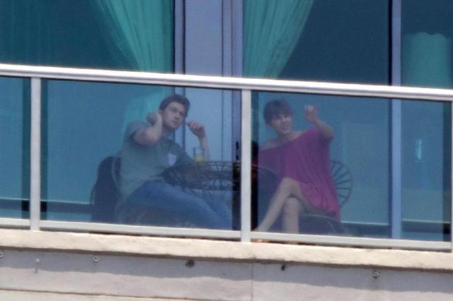 画像: 6月初めに撮影されたテイラーとジョーの2ショット。