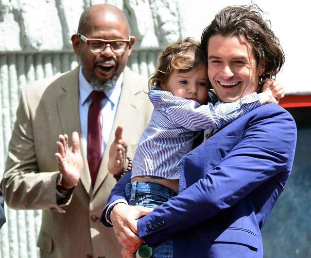 画像: オーランドのインスタグラムには、息子フリン君とおでかけする様子が頻繁に投稿されている。