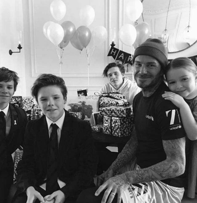 画像: 父デヴィッドの誕生日パーティで撮影された写真。