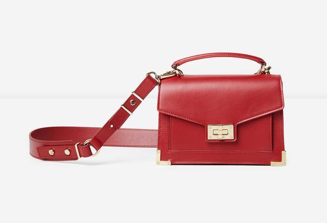 画像2: エミリー・ラタコウスキー、自身がデザインした初のバッグコレクションを発表