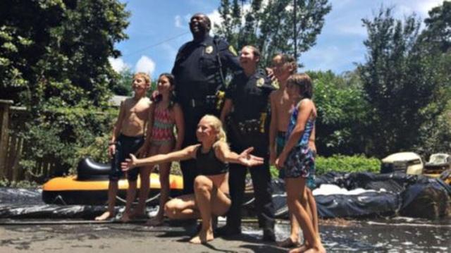 画像: Asheville Police on Twitter twitter.com