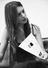 画像5: エミリー・ラタコウスキー、自身がデザインした初のバッグコレクションを発表