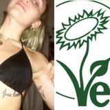 画像1: マイリー・サイラスの新しいタトゥーに込められた意味とは?