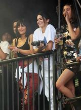 画像2: 姉と友人とともにフェスに参戦