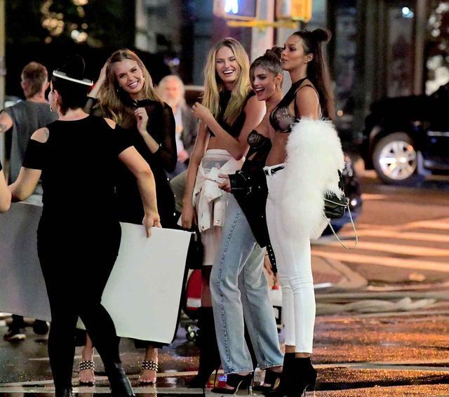 画像3: 世界一の美女軍団がNYの街に