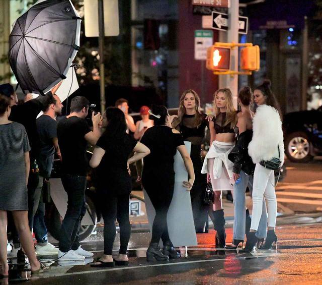 画像2: 世界一の美女軍団がNYの街に