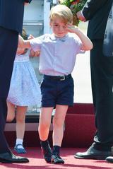 画像5: 【写真あり】ロイヤルツアー中の眠そうなジョージ王子の姿が可愛すぎる