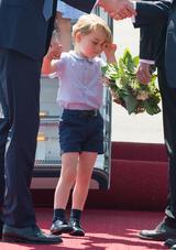 画像3: 【写真あり】ロイヤルツアー中の眠そうなジョージ王子の姿が可愛すぎる