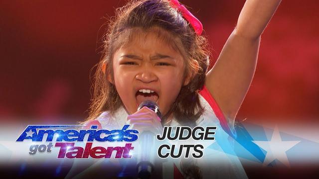 画像: Angelica Hale: 9-Year-Old Earns Golden Buzzer From Chris Hardwick - America's Got Talent 2017 youtu.be