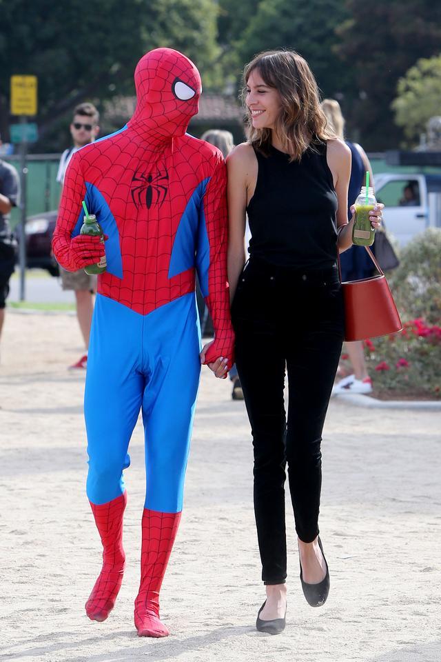 画像3: アレクサがスパイダーマンとデート