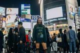 画像: 初来日した2016年に渋谷のスクランブル交差点にて