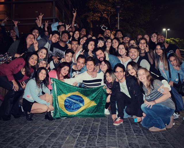 画像: ハリウッド若手注目株がブラジルを訪問