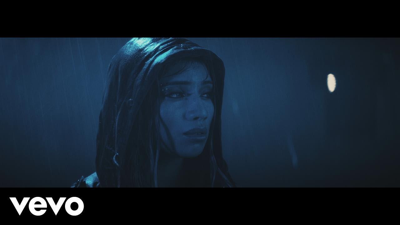 画像: kirstin - Break A Little (Official Video) www.youtube.com