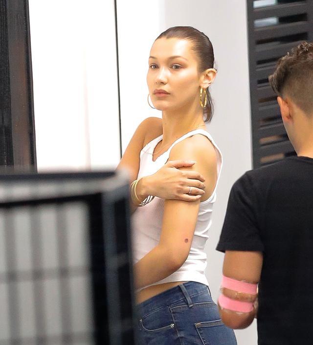 画像4: 20歳の業界トップモデルをタトゥーショップで発見!どんなタトゥーを入れた?