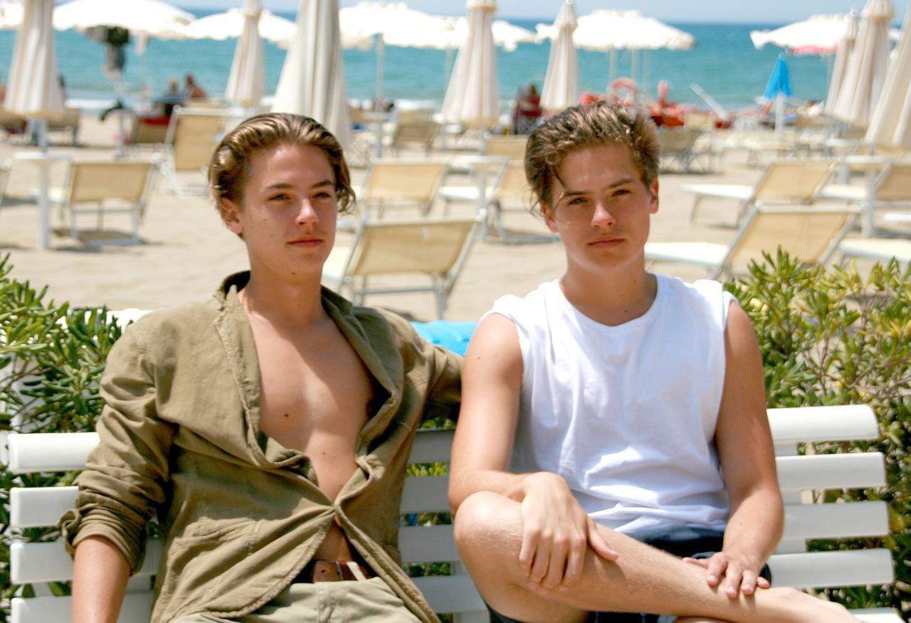 画像: 左が兄のディラン、右が弟のコール。