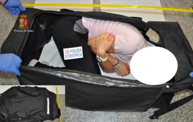画像: イタリア警察が再現したクロエが監禁されていた際の状況。