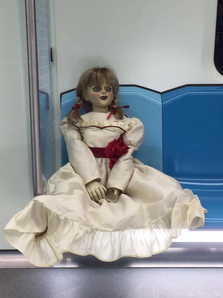 呪い の 人形 アナベル