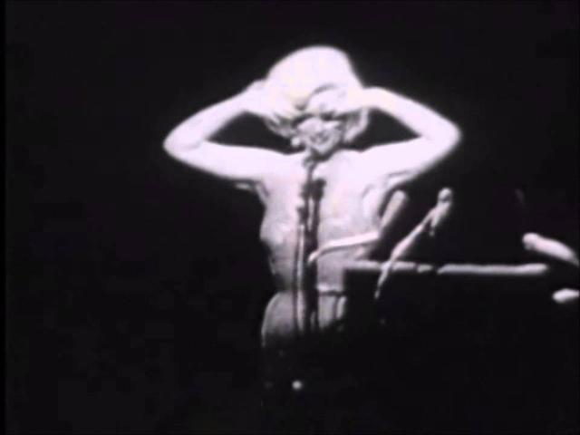 画像: Marilyn Monroe-Happy Birthday Mr. President youtu.be