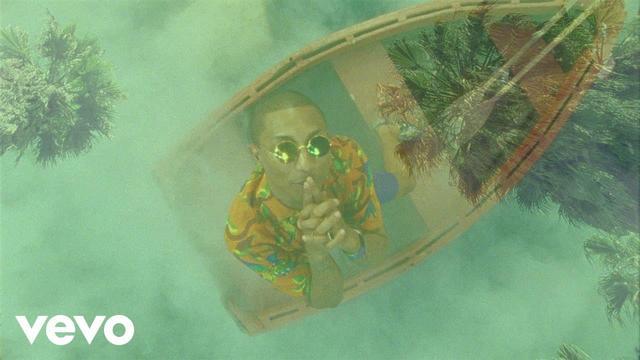画像: Calvin Harris - Feels (Official Video) ft. Pharrell Williams, Katy Perry, Big Sean - YouTube www.youtube.com