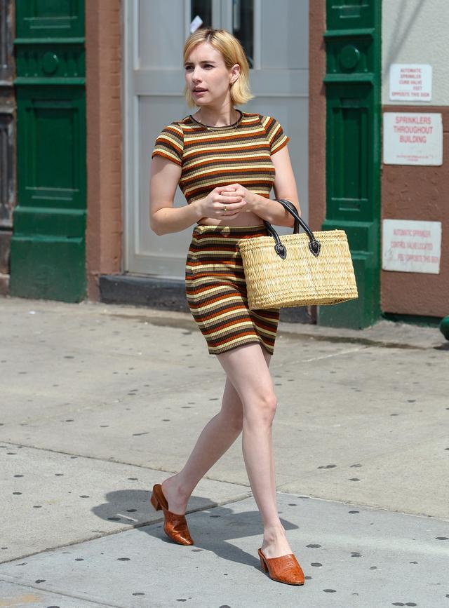 画像2: お腹チラ見せ!エマ・ロバーツの夏のセットアップスタイルに注目