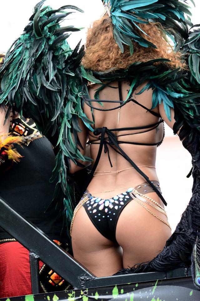 画像6: セクシーすぎる、リアーナならではのフェスファッション