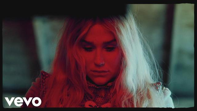 画像: Kesha - Praying (Official Video) www.youtube.com