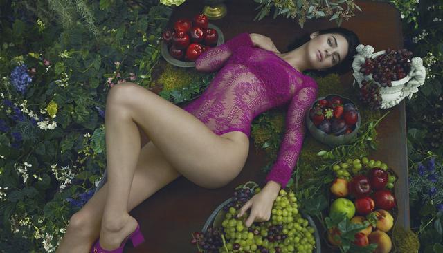 画像1: ランジェリーのラペルラ、秋冬広告のケンダル・ジェナーが美しすぎる