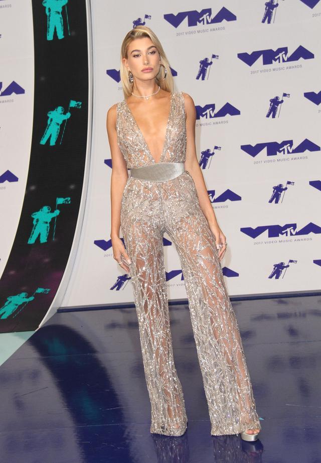 画像5: MTV VMA 2017の華やかなレッドカーペット・ファッションをどこよりも早くお届け!