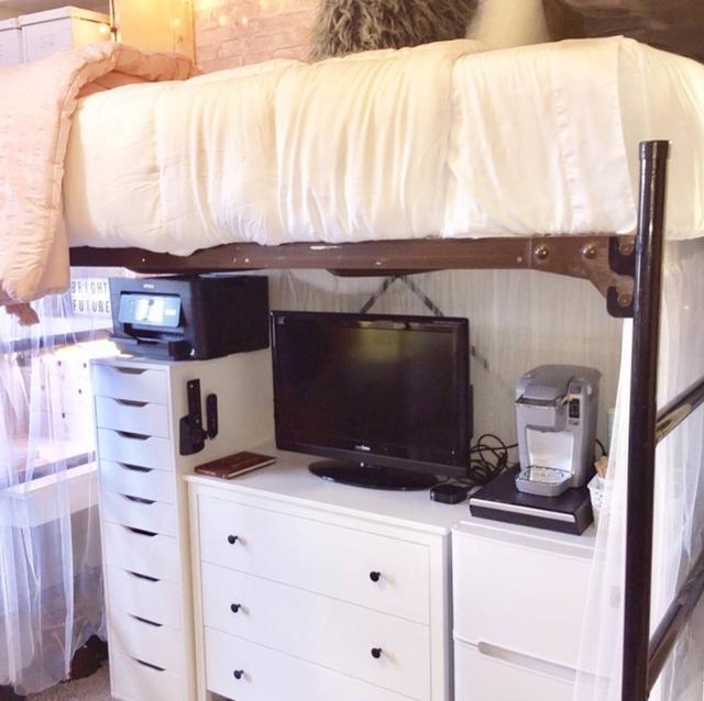 画像6: 全部DIY!寮の部屋を見事にリフォームした部屋が可愛すぎる