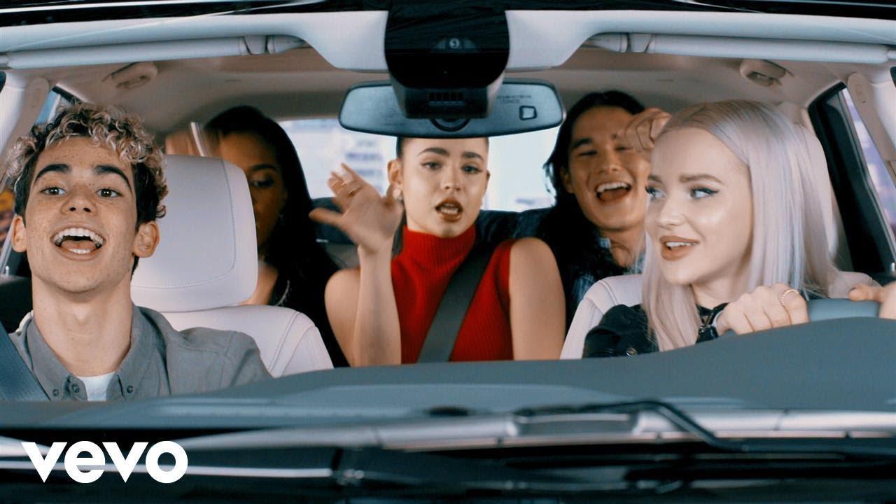 画像: キャストが続編の挿入歌を車内で口パクした動画シリーズは総視聴回数5,000万回を突破! www.youtube.com