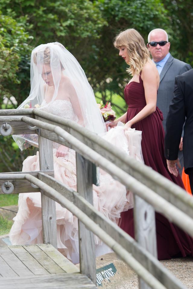 画像4: 厳重警戒で親友の結婚式に