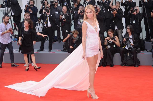 画像2: 【速報】年収8億円の大人気ブロガー、キアラ・フェラーニが妊娠を発表