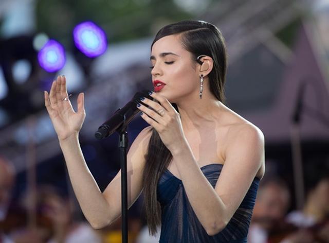 画像: 2017年のアメリカ独立記念日にはワシントンD.C.で催された式典で国歌を歌う大役を任された。