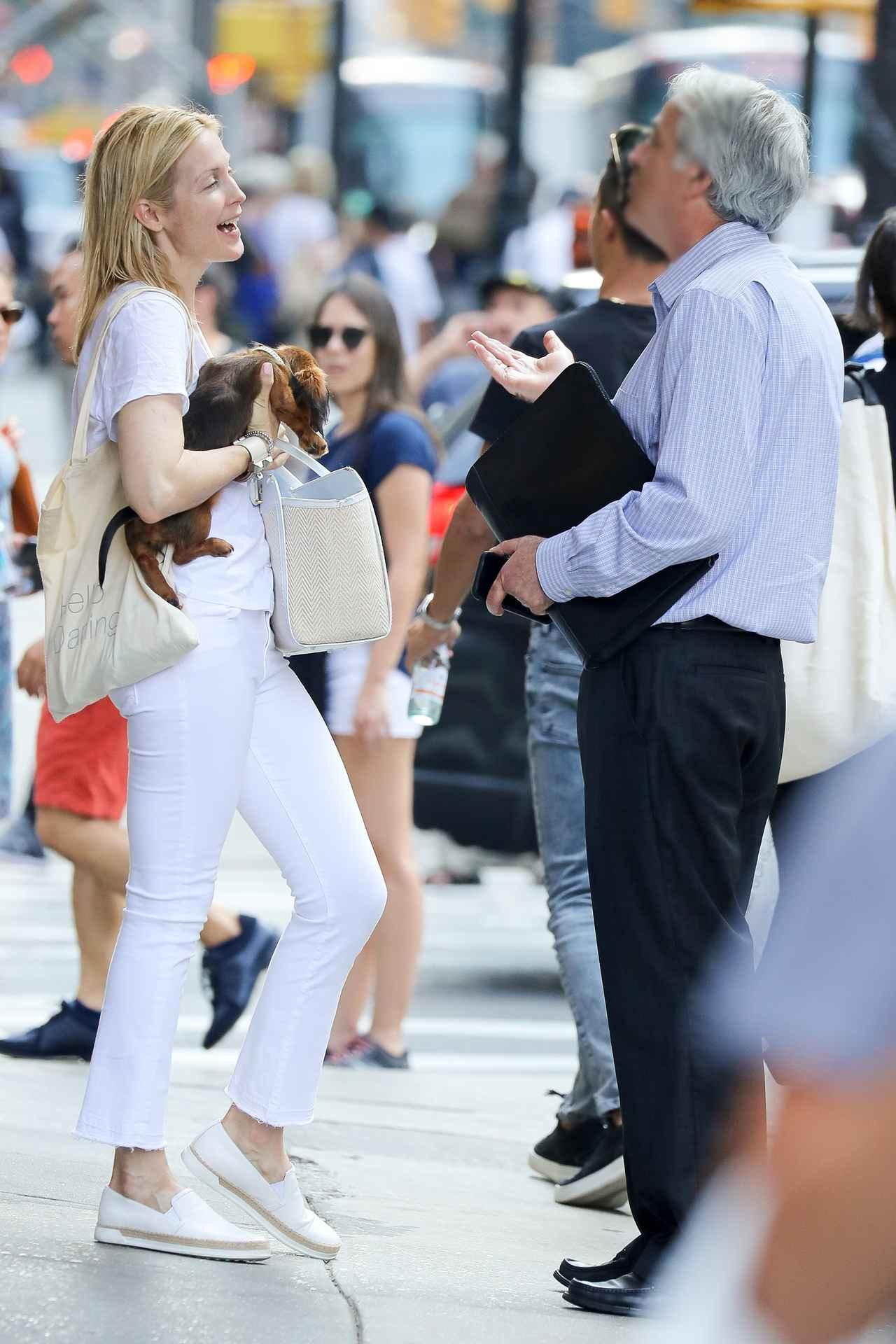 画像2: 『ゴシップガール』女優ケリー・ラザフォード、道でホームレス男性に声かけられ・・・