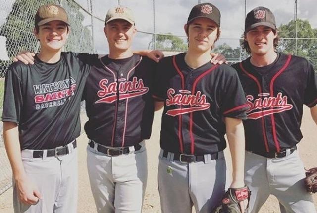 画像: ミッチェルの家族は野球一家。みんなで野球団に所属している。