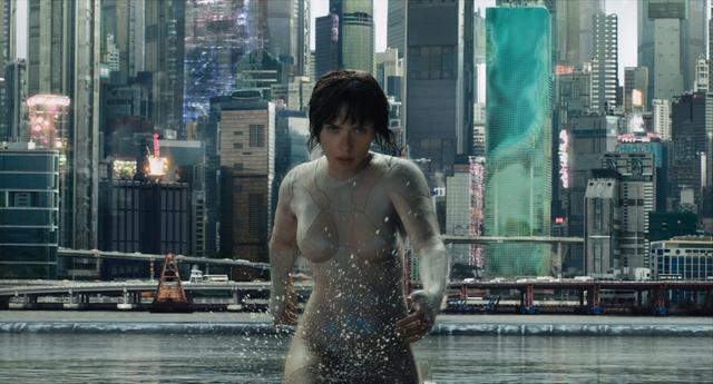 画像: 映画『ゴースト・イン・ザ・シェル』では、主人公を女優のスカーレット・ヨハンソンが演じた。